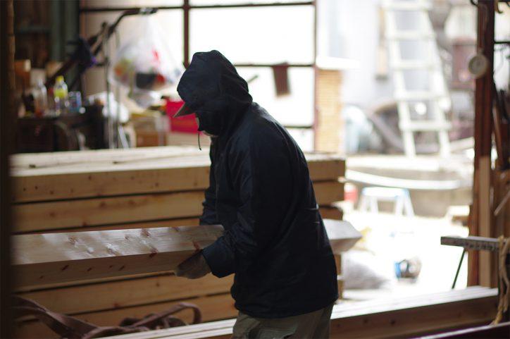 製材工場での作業